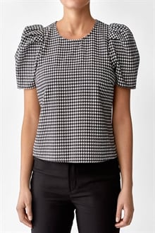 701452_Kayla Blouse Graphic Dogstooth_1_cropped_web_sRGB